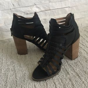 🔥 Sexy strappy Black sandals by Report size 7.5